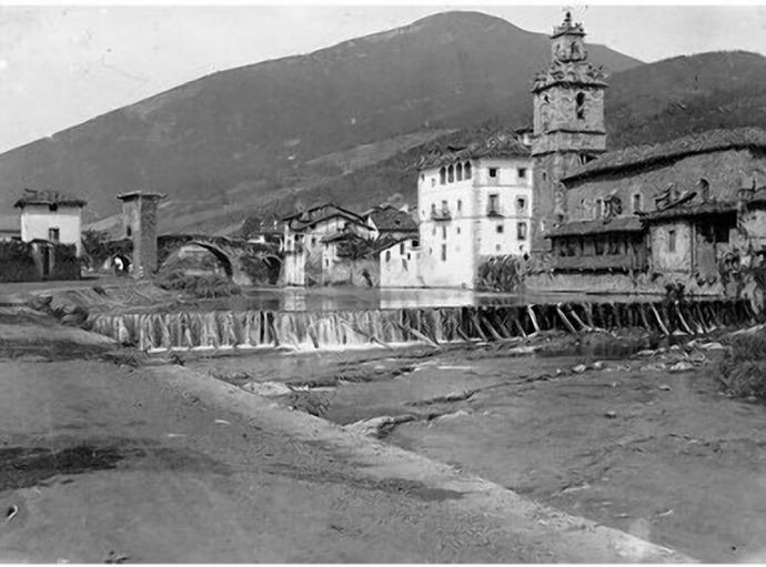 Entorno del Puente Viejo a comienzos del siglo XX