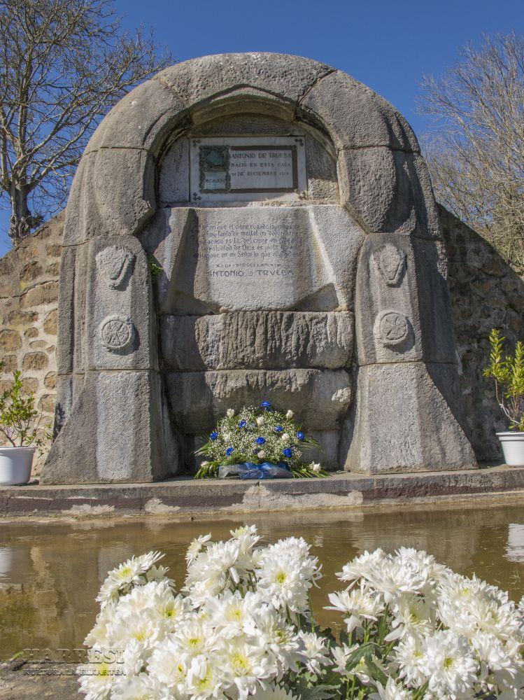 Homenaje A Antonio De Trueba En Montellano  Galdames