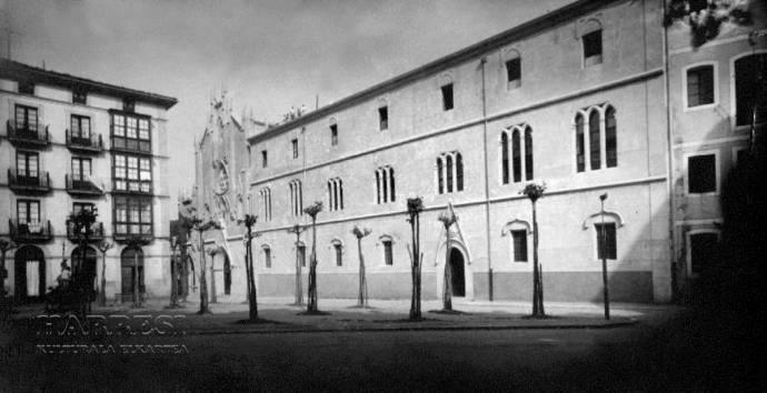 Convento Claretiano de Balmaseda situado en la plaza de Los Fueros.