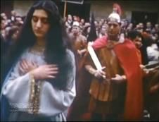 """Mari Nieves Fernández delante de su padre Pepín Fernández """"el montañés"""""""