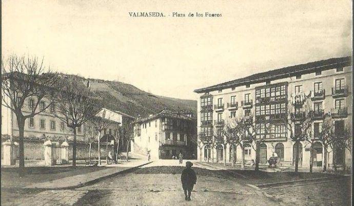 Plaza de Los Fueros. Siglo XIX